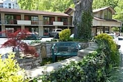 Mountain House Motor Inn - Gatlinburg, Tennessee -