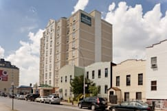 Country Inn & Suites NYC at Queens - Long Island City, New York -
