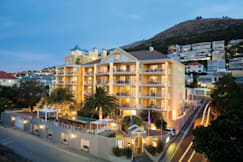Romney Park Luxury Suites & Wellness Ctr - Green Point, South Africa -
