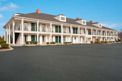 Baymont Inn & Suites, Duncan - Duncan, South Carolina -