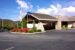 Best Western Plus Mountain Lodge - Banner Elk, North Carolina - The BEST WESTERN PLUS Mountain Lodge at Banner Elk