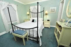 The Mango Inn Bed & Breakfast - Lake Worth, Florida -