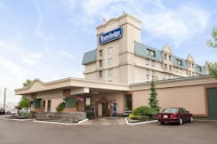 Travelodge Hotel Calgary Airport - Calgary, Canada -