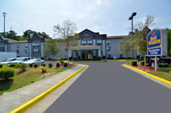 Best Western Inn &amp; Suites - Raleigh, North Carolina - 