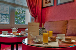 Hotel La Demeure - Paris, France -