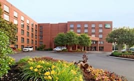 GuestHouse Intl Inn &amp; Suites - Nashville, Tennessee - 