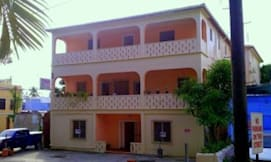 Midtown Guest House Hotel - Charlotte Amalie, US Virgin Islands -