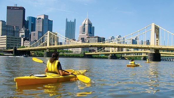[Image: pittsburgh-kayaking-downtown-592mfk081010.jpg]