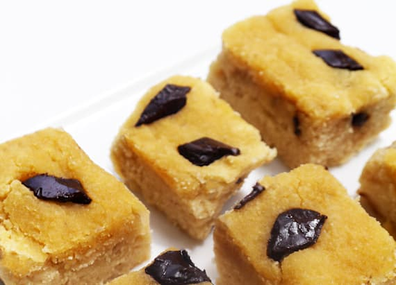 Chocolate chip coconut blondie bites