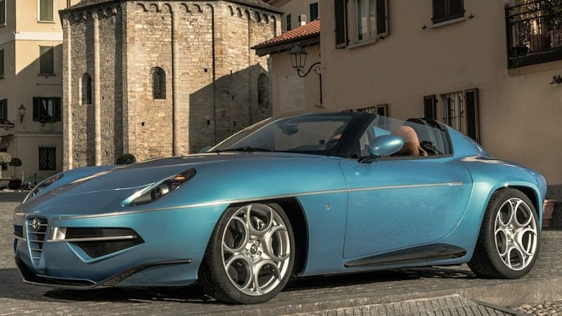 alfa romeo disco volante spider is a beauty in blue autoblog. Black Bedroom Furniture Sets. Home Design Ideas
