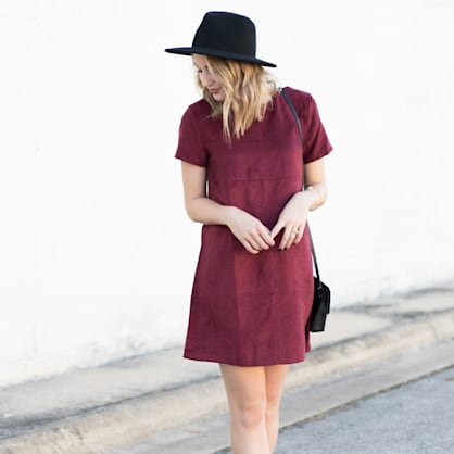 Street style tip of the day: Burgundy shift