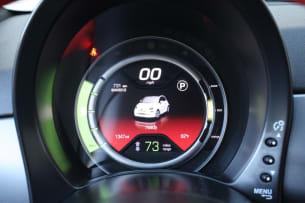 2013 Fiat 500e gauges