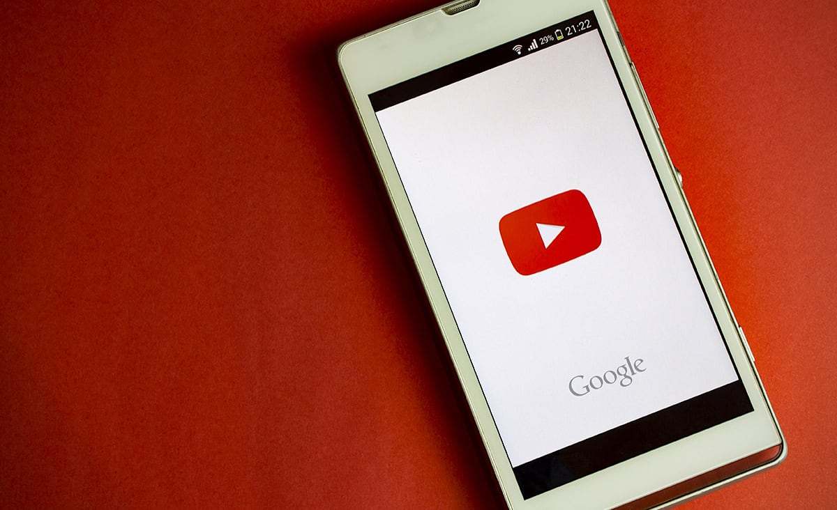 YouTube trains its thumbnailer to generate better images