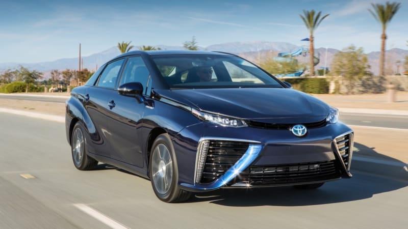 Toyota 'Mirai C,' a smaller, cheaper FCEV, could debut in 2019
