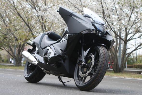 映画『GHOST IN THE SHELL』に「NM4」ベースとしたバイクが登場