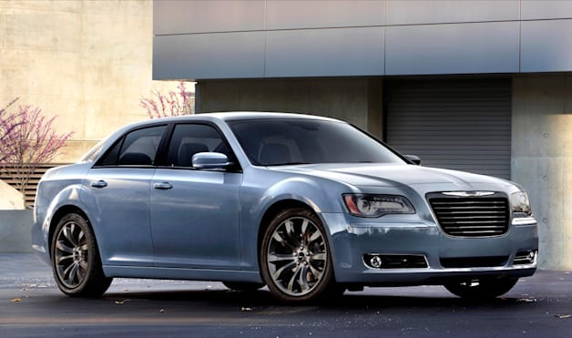 2014 chrysler 300s gets all black and blue. Black Bedroom Furniture Sets. Home Design Ideas