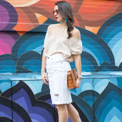 Street style tip of the day: Rainbow wall