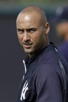 Yankees Jeter Baseball