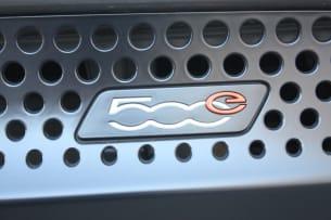 2013 Fiat 500e grille