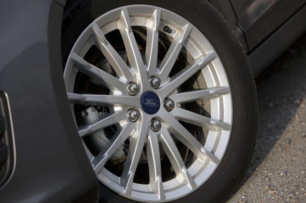 c-max hybrid tire