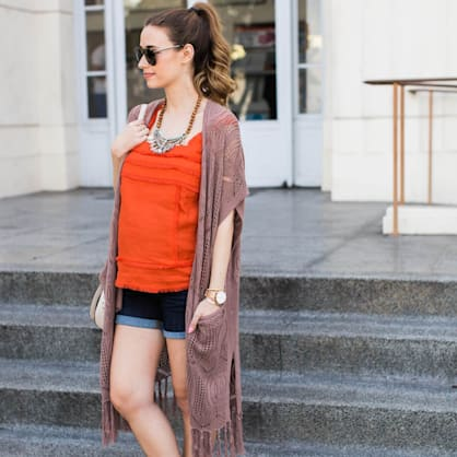 Street style tip of the day: Shorts + wedges