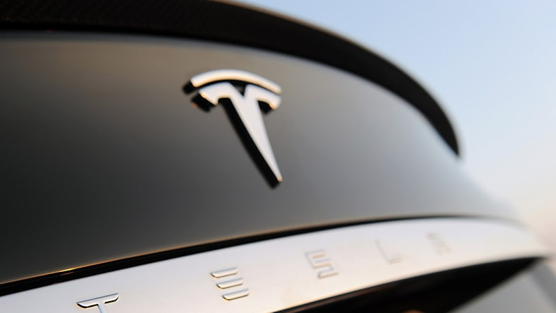 Tesla says owner at fault regarding Summon crash