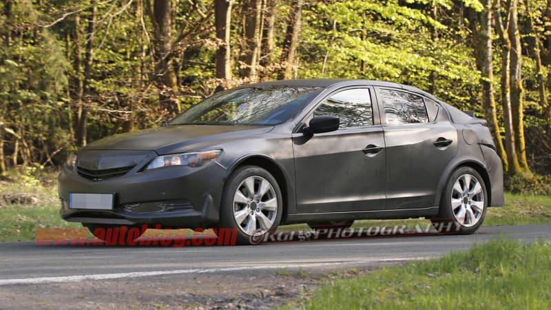 Honda Civic 5-Door mule spotted testing