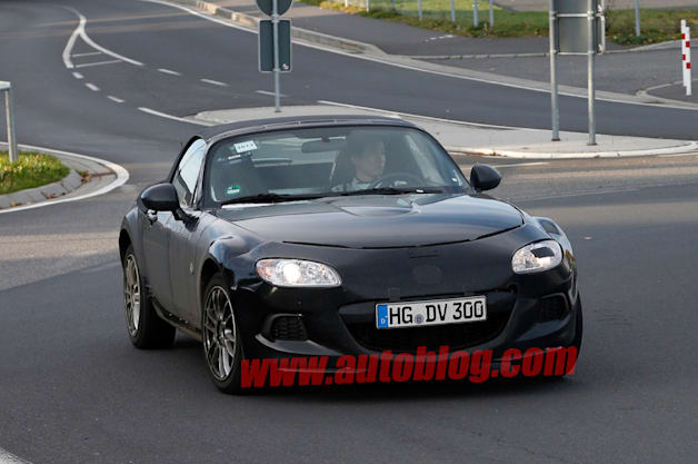Next-Generation Mazda MX-5 spy shot