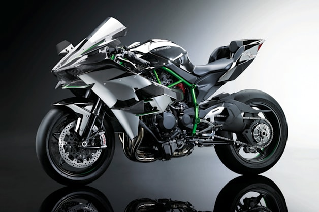 Kawasaki Ninja H2R is a 300-hp supercharged carbon-fiber cruise missile [w/video]