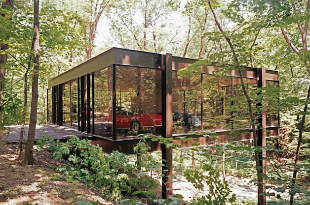 Cameron Frye's garage from Ferris Bueller's Day Off - real estate listing