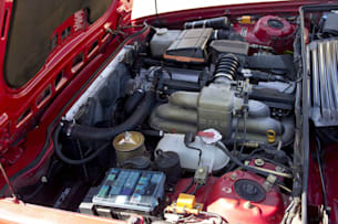 1989 BMW 635CSi engine