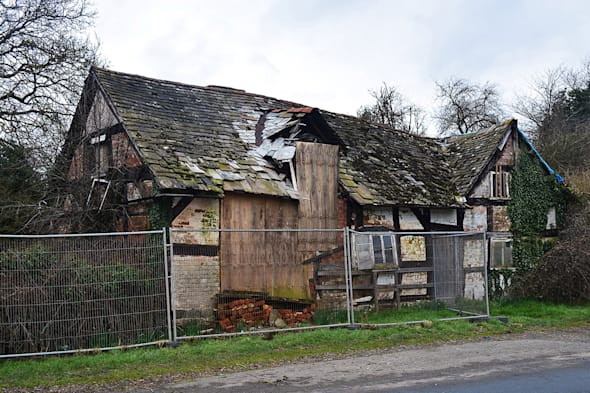 Old Crow Cottage Was Abandoned Since 2009 And Has Been Left To Rot Ever