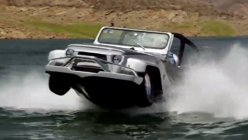 Jay Leno and Jeff Dunham have 'stupid fun' in amphibious vehicles