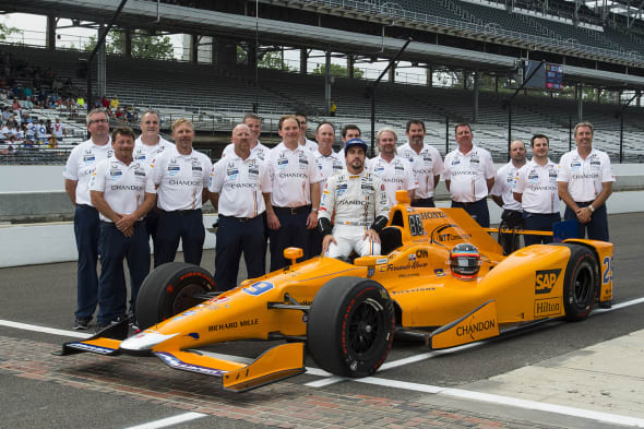 Verizon IndyCar SeriesIndianapolis 500 QualifyingIndianapolis Motor Speedway, Indianapolis, IN USASaturday 20 May 2017Fernando Alonso, McLaren-Honda-Andretti Honda and team official qualifying portraitWorld Copyright: Geoff MillerLAT Images