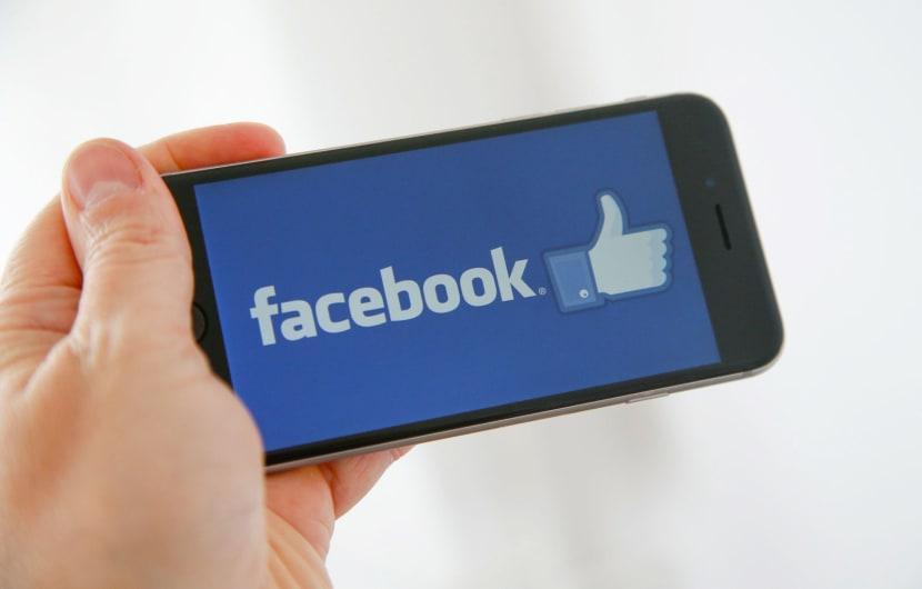 Facebook bleibt in Thailand online - erstmal