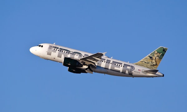 Frontier Airlines - N930FR