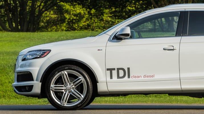 2015 Audi Q7 TDI profile view