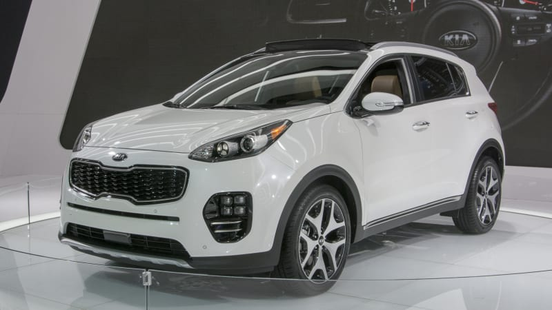 2017 Kia Sportage gets bigger and gains bulbous new duds ...
