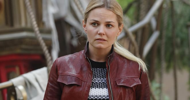 """ONCE UPON A TIME - """"The Savior"""" - As """"Once Upon a Time"""" returns to ABC for its sixth season, SUNDAY, SEPTEMBER 25 (8:00-9:00 p.m. EDT), on the ABC Television Network, so does its classic villain-the Evil Queen. (ABC/Jack Rowand)JENNIFER MORRISON"""