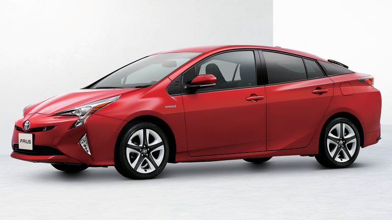 2016 Toyota Prius tech improves here, there, all over