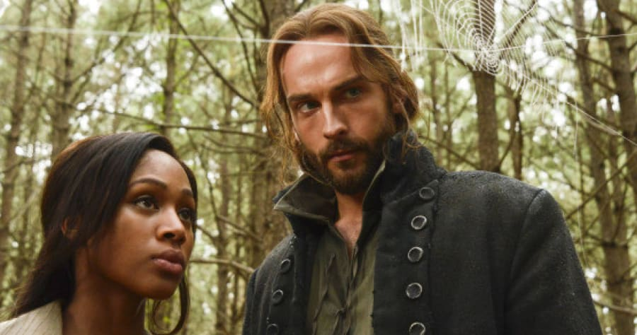 """SLEEPY HOLLOW: Lt. Abbie Mills (Nicole Beharie, L) and Ichabod Crane (Tom Mison, R) go on a hunt to discover an unidentified boy's origins in the """"John Doe"""" episode of SLEEPY HOLLOW airing Monday, Oct. 14 (9:00-10:00 PM ET/PT) on FOX. ©2013 Fox Broadcasting Co. CR: Brownie Harris/FOX"""