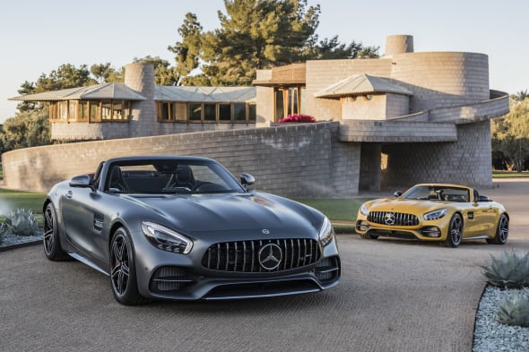AMG GT C Roadster AMG solarbeam                           Exclusive Nappa leather/DINAMICA microfibre black/grey topstitchingAMG GT C Roadster AMG solarbeam   Leder Exclusiv Nappa/Microfaser DINAMICA  schwarz/graue ZiernähteKraftstoffverbrauch kombiniert: 11,4 l/100 kmCO2-Emissionen kombiniert: 259 g/kmFuel consumption combined: 11.4 l/100 kmCombined CO2 emissions: 259 g/km