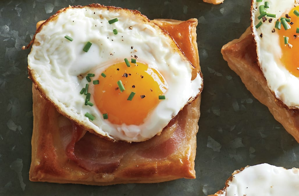 Fried-Egg-and-Bacon Puff Pastry Squares Recipe — Dishmaps