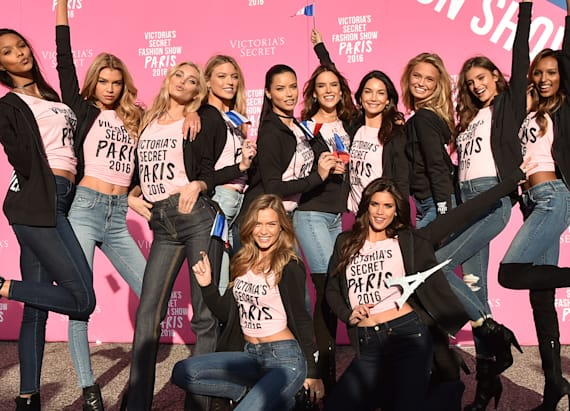 How to travel like a Victoria's Secret Angel
