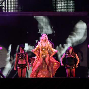 Britney Spears Free Concert At Monumento De La Revolucion