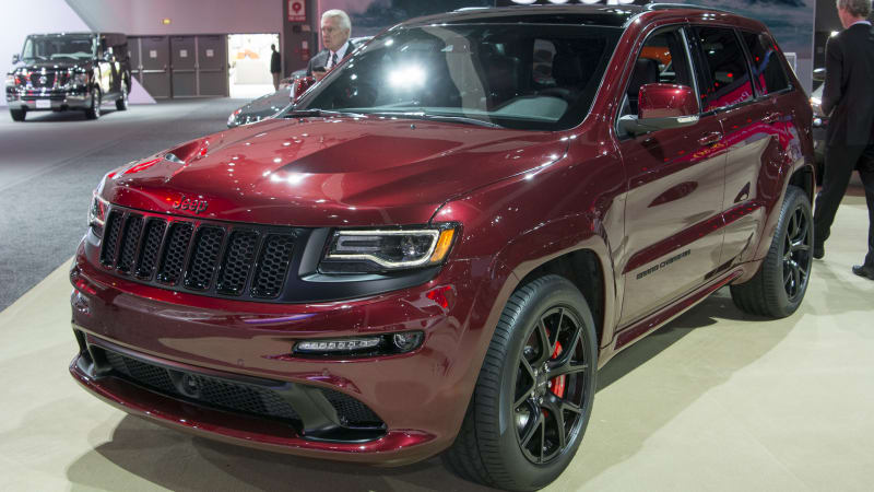 2016 jeep grand cherokee srt night puts on a dark face. Black Bedroom Furniture Sets. Home Design Ideas