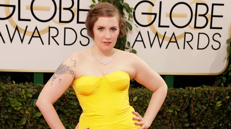 Lena Dunham takes the red carpet at the Golden Globes