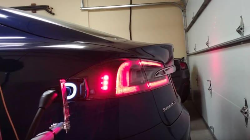 Recharge Wrap-up: DIY Tesla charging arm, Tesla vs. Maserati smackdown