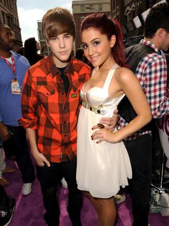 Ariana Grande defends Justin Bieber arrest
