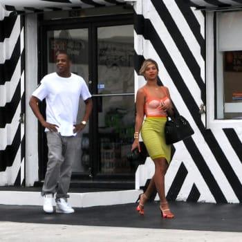 Celebrity Sighting In Miami - December 30, 2013